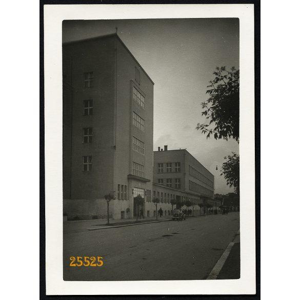 Kassa, Felvidék, Főposta épülete, városkép, autó, jármű, közlekedés, 1940-es évek, Eredeti fotó, papírkép.