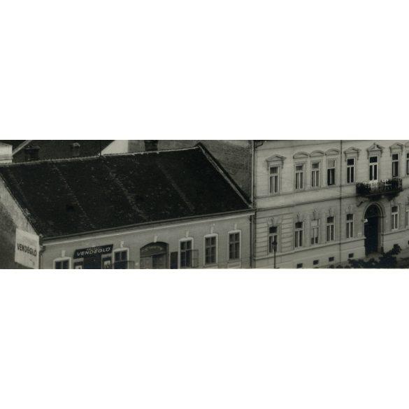 Kassa, Felvidék, utcakép a Rákóczi vendéglővel, kocsma, étterem, utcakép, város, dóm, 1940-es évek, Eredeti fotó, papírkép.