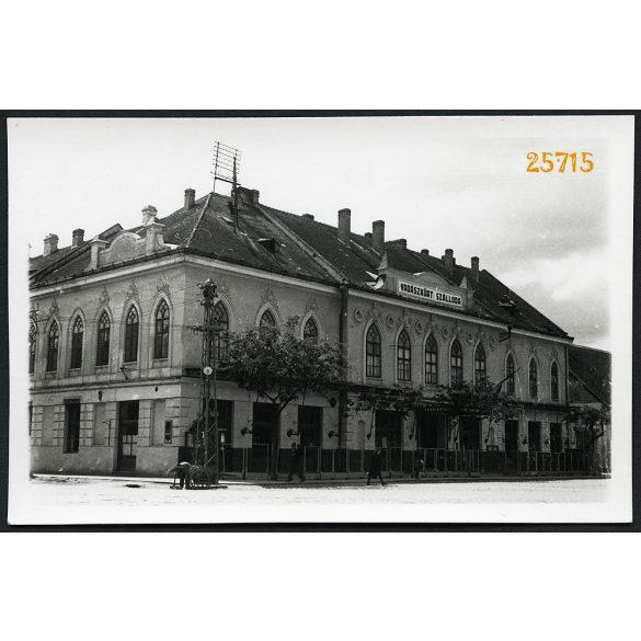 Zombor, Vajdaság, Vadászkürt Szálloda, vendéglátás, étterem, város, utcakép, 1940-es évek, Eredeti fotó, papírkép.