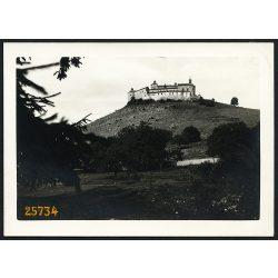 Krasznahorka, Krasznahorkaváralja,  Felvidék, a vár a faluból, kastély, 1930-as évek, Eredeti fotó, papírkép.