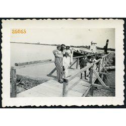 Nyaralók a hajóállomáson, Szigetszentmárton,  Duna, 1936, 1930-as évek, Eredeti fotó, papírkép.