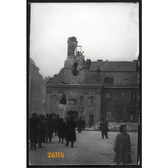 1956-os forradalom, Budapest, szétlőtt Rókus kápolna, Rákóczi út, 1950-es évek, Eredeti fotó, papírkép.