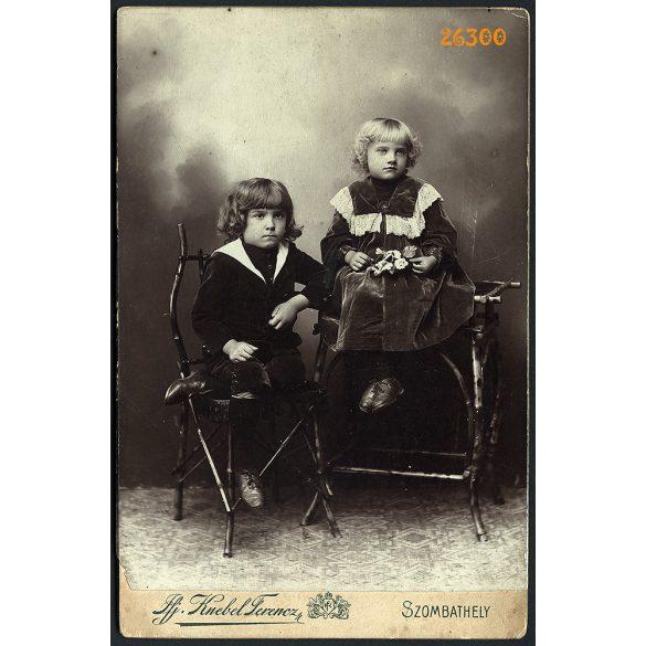 ifj. Knebel műterem, Szombathely, testvérek ünneplő ruhában, gyerek, portré, 1890-es évek, Eredeti kabinetfotó.