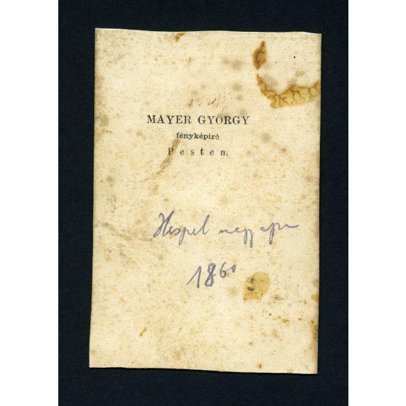 Mayer György fényképíró műterme, Pest, elegáns férfi csizmában, 'Hespel nagyapu',  1860, 1860-as évek, Eredeti CDV, vizitkártya fotó.