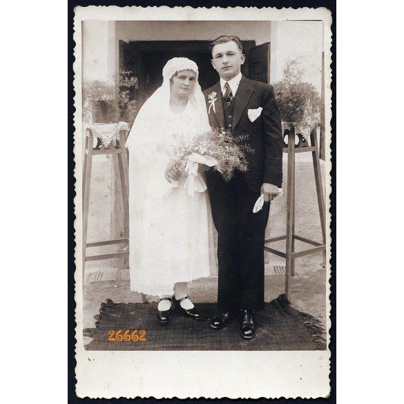 Domján fényképész, Pakod, Zala megye, falusi esküvő, vőlegény, menyasszony, 1920-as évek, Eredeti fotó, jelzett papírkép.