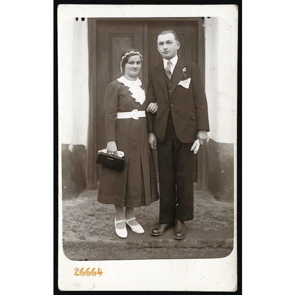 Domján fényképész, Pakod, Zala megye, falusi esküvő, elegáns pár portréja, ünnep, 1920-as évek, Eredeti fotó, jelzett papírkép.