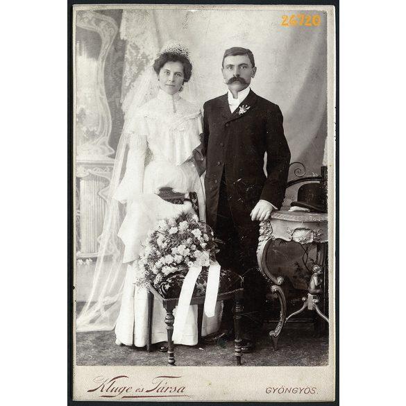 Kluge és Társa műterem, Gyöngyös, esküvői pár portréja, 1900-as évek, Eredeti kabinetfotó.