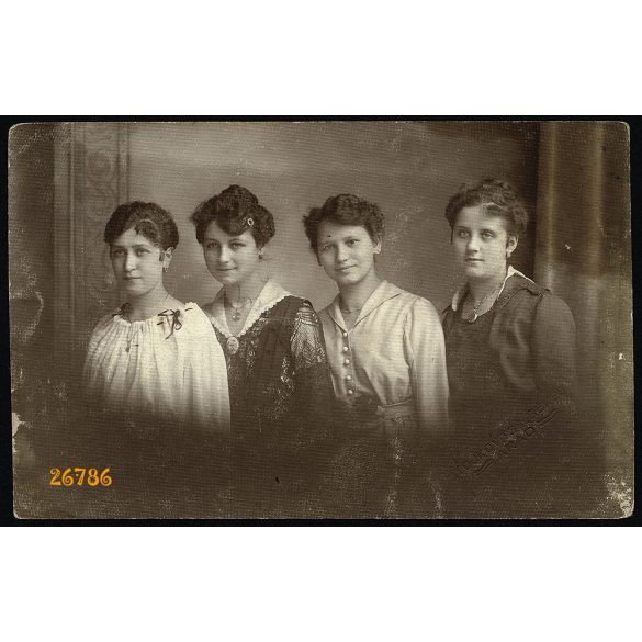 Stojkovits és Békés műterem, Arad, Erdély, elegáns lányok portréja, 1918, 1910-es évek, Eredeti fotó, papírkép.