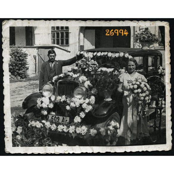 Foto Columban, Arad, Erdély, esküvői autó virágokkal feldíszítve, személygépkocsi, jármű, közlekedés, 1936, 1930-as évek, Eredeti fotó, papírkép.