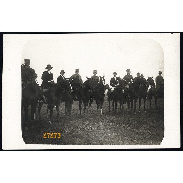 Zsolca, elegáns hölgyek és urak, lovasok, vadászat (?), egyenruha, katona, 1910-es évek, Eredeti fotó, papírkép.