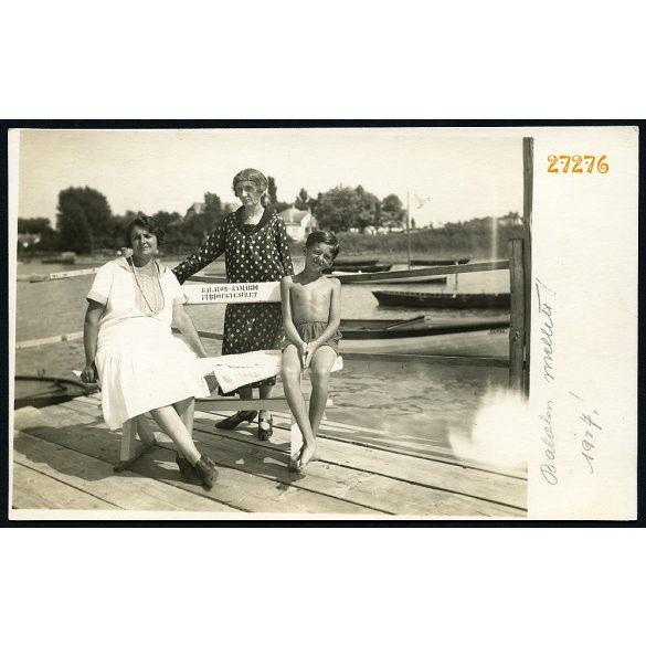 Vízparton, Zamárdi, Balaton, fürdő, fürdőruha, Balaton-Zamárdi fürdőegyesület, 1927, 1920-as évek. Eredeti fotó, papírkép.