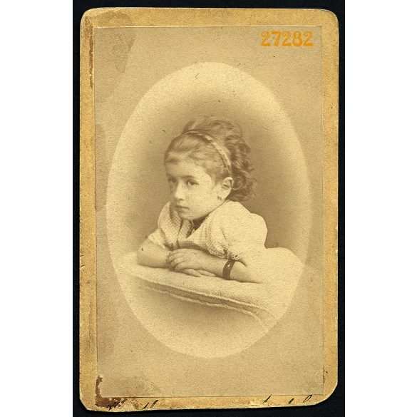 Mrinhardt műterem, Nagyszeben, (Hermannstadt), Erdély, Szábel Berta portréja, (a Szábel híres örmény kereskedőcsalád), 1877, 1870-es évek, Eredeti CDV, vizitkártya fotó.