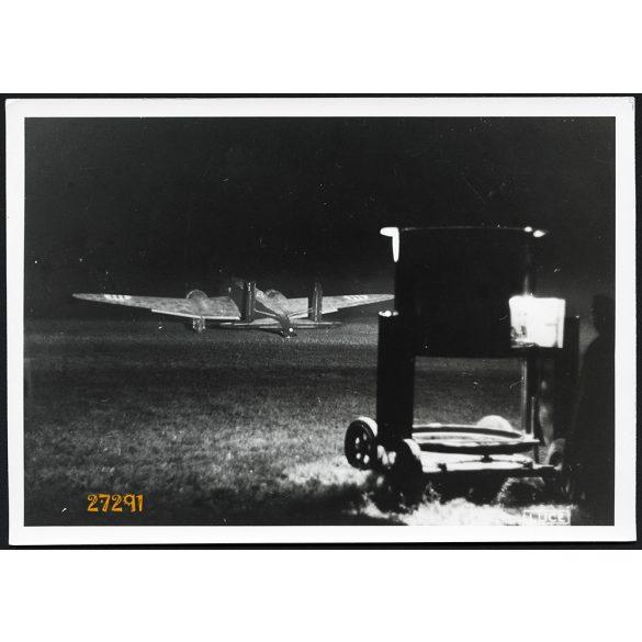 'A Csatorna partján levő repülőteréről indul angol céljai ellen az olsz légihaderő egyik FIAT BR.20. nehéz bombázógépe', katona, 2. világháború, 1940, 1940-es évek, Eredeti nagyobb méretű LUCE fotó, p