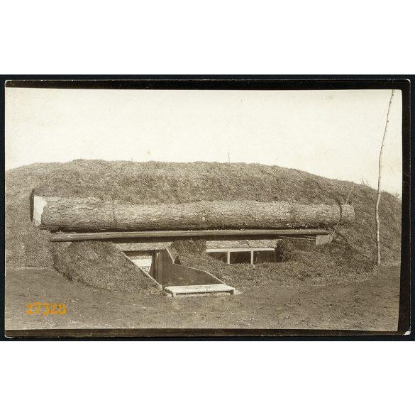 Magyar katonák által épített fedezék, 1. világháború, 1917, 1910-es évek, Eredeti fotó, papírkép.