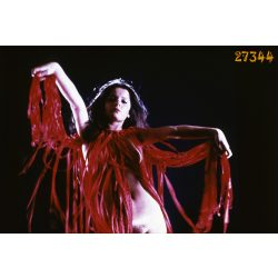 Művészi akt, erotikus felvétel, piros ruhában, Eredeti dia!