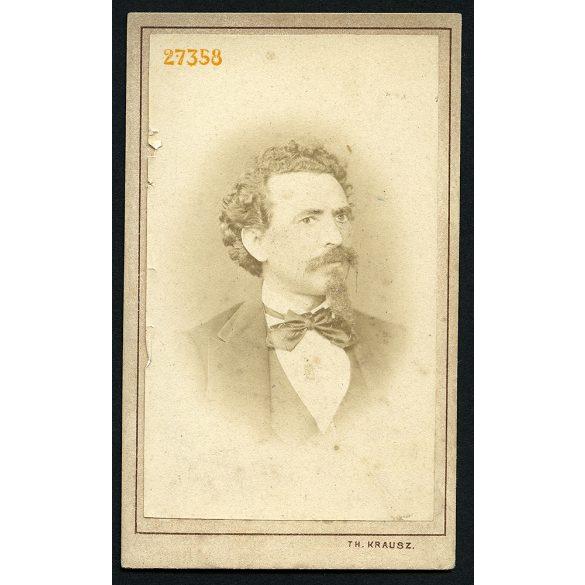 Krausz műterem, Besztercebánya, (Neusohl), Felvidék, elegáns férfi bajusszal, kis szakállal, portré, 1870-es évek, Eredeti CDV, vizitkártya fotó.
