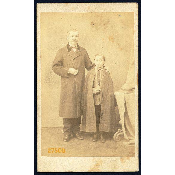 S. C. Lypoldt műterem, Varasd, Dervarics Gyula, mint II. gimnazista és kosztos gazdája Klemencic Ferdinánd, 1867, 1960-as évek, Eredeti CDV, vizitkártya fotó.