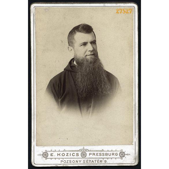 Kozics műterem, Pozsony, Felvidék, Foglár Bálint páter portréja, pap, egyház szakáll, 1870-es évek, Eredeti kabinetfotó.