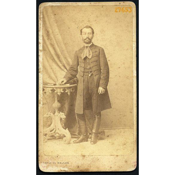 Canzi és Heller műterem, Pest, férfi magyaros ünneplő ruhában, portré,  1860-as évek, Eredeti CDV, vizitkártya fotó.