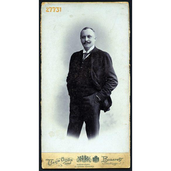 Uher műterem, Budapest, Gruber Imre, elegáns férfi portréja, bajusz, 1890-es évek, Eredeti nagyméretű (!) kabinet fotó, széle vágott.
